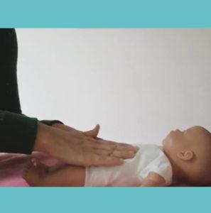 FISIOTERAPIA y movimiento Sane Pilates te ofrece sesiones de estimulación temprana para bebés de 0 a 3 años de forma presencial en tu domicilio o, si lo prefieres, vía ONLINE a través de Zoom.